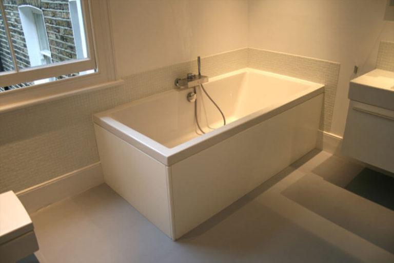 Simple white bathtub