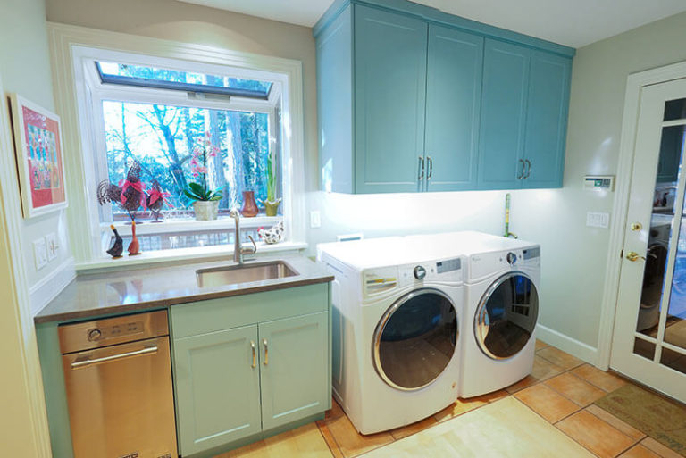 Blue hanging kitchen cabinets